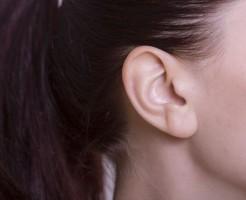 痛いし治らない耳たぶニキビが出来る原因と5つの対処法