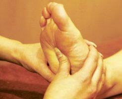 女性ホルモンを分泌させるツボでキレイを保つ8の方法